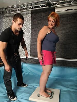 Naked FAT GIRLS Nika & Mira fighting hard on the mat